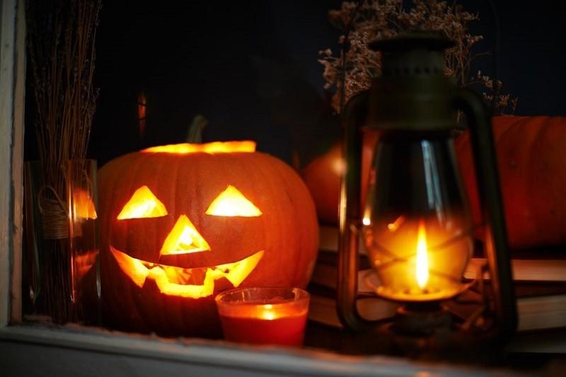 Creepy DIY Halloween Decorations