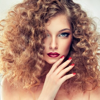 Pros and Cons of Getting Your Hair Permed