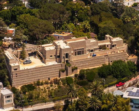 the-ennis-house
